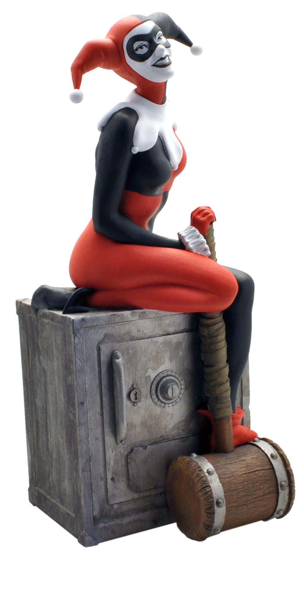 Tirelire Harley Quinn sur le coffre Plastoy 27 cm